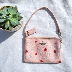 COACH WRISTLET PINK HEARTS